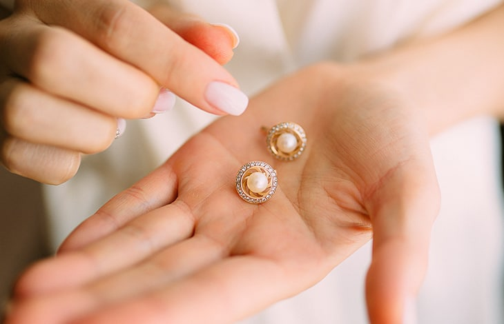 how to clean jewelry posts