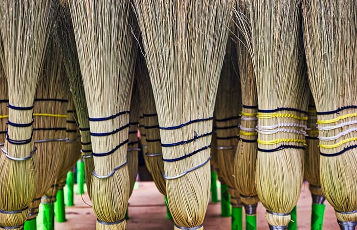 clean upright broom heads