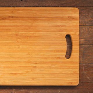 a clean and oiled wood cutting board